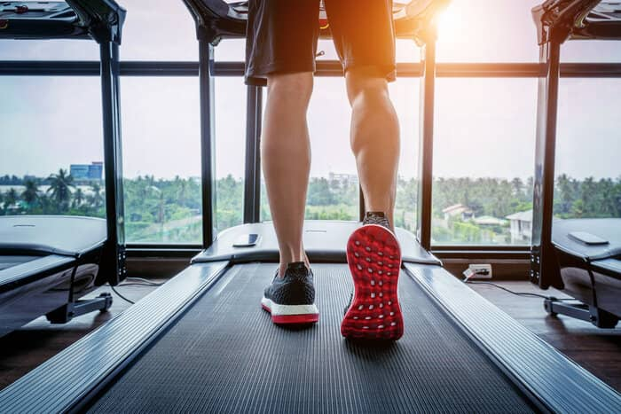 11 Common Treadmill Running Mistakes For Beginners